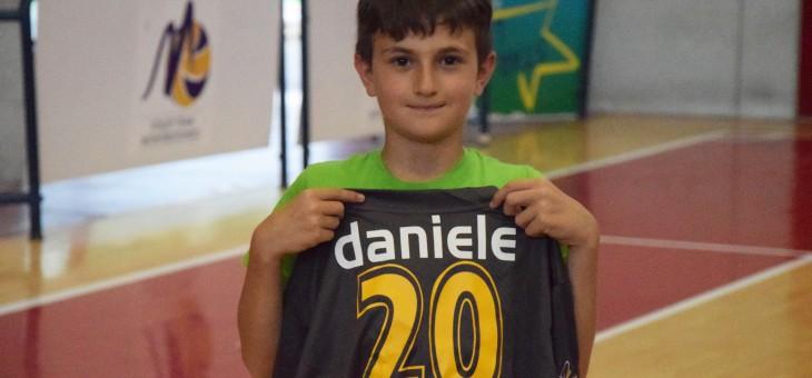 """Daniele Cioffi premiato per il social contest. I genitori: """"Si è innamorato della pallavolo"""""""