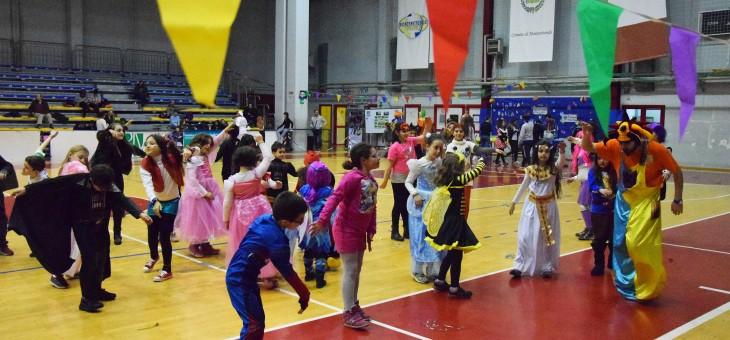 La nostra festa di Carnevale tra maschere, giochi e torte (FOTO)